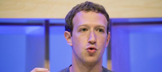 """Facebook, Zuckerberg: """"Fatti errori, dobbiamo proteggere dati"""""""