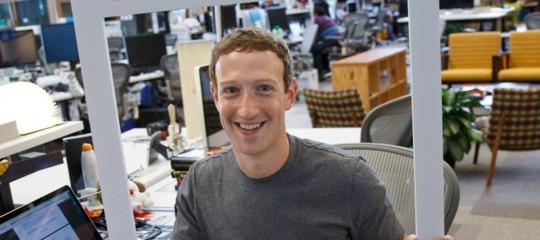 Facebook, dopo 4 giorni d'inferno Zuckerberg ha voluto dire la sua