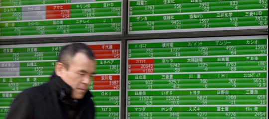 Borsa Tokyo: i dazi di Trump causano un tracollo, -4,51%