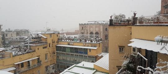 Maltempo: neve in Irpinia, scuole chiuse e disagi