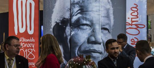 """Perché la famiglia Mandela ha definito """"un'impostura"""" l'Istituto Mandela di Parigi"""