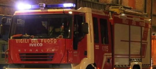 Rogo in casa a Firenze, un morto e due feriti