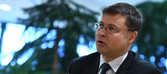 Def: Dombrovskis, obbligatorio presentarlo entro aprile