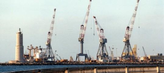 Esplosione nel porto di Livorno, muoiono due operai
