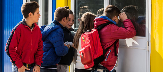 I ritardi a scuola sono un problema nazionale. Arrivano multe e punizioni