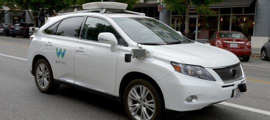 Tutte le auto senza conducente rallentano, maGoogle vuole accelerare
