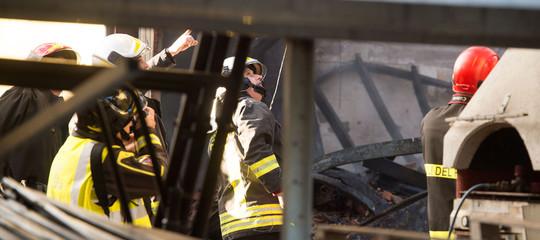 Crollo palazzina: Vigili Fuoco, tutti in salvo i 5 coinvolti