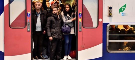 Francia: sciopero dei treni contro la riforma delle ferrovie, sfida a Macron