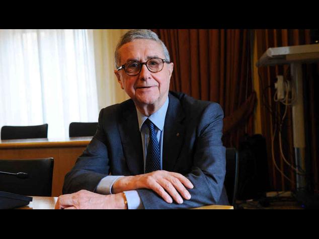In manette per una mazzetta Roberto Helg, presidente Confcommercio Palermo