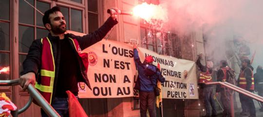 Perché i ferrovieri francesi protestano, e non hanno intenzione di fermarsi