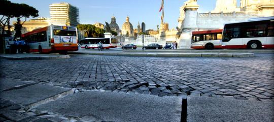 A Roma 90 voragini l'anno: 250.000 cittadini a rischio frane