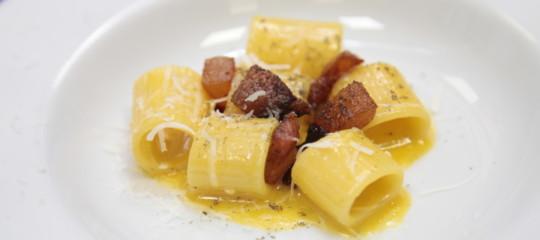 Le più improbabili ricette di Carbonara fatte da cuochi molto rinomati