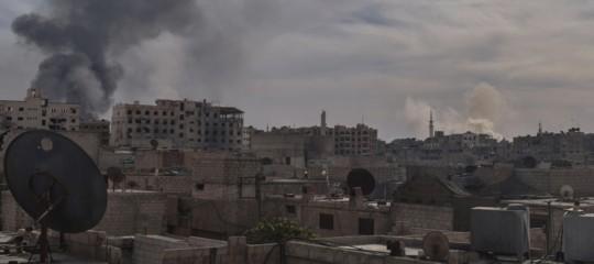In Siria almeno 70 morti in un sospetto attacco chimico su Duma