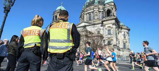 Cosa sappiamo dell'attentato durante la maratona sventato in extremis a Berlino