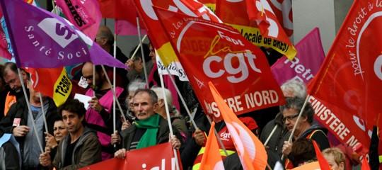 Una locomotiva di disagio sociale lanciata contro le riforme diMacron