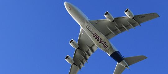 Viaggiare in aereo dormendo nella stiva. Sarà possibile dal 2020