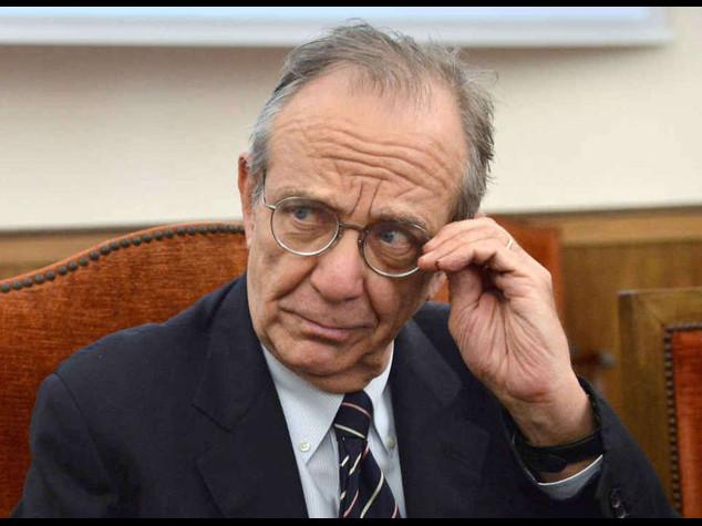 """Ue: Padoan, """"nessuna dead-line per le riforme""""; Katainen, appoggeremo governo italiano"""