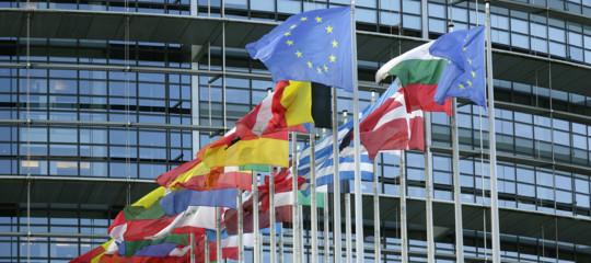 Siria: Europarlamento, da principali gruppi sostegno a raid