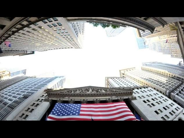 Wall Street: apre positiva, brilla Intel, in calo Bofa e Yahoo