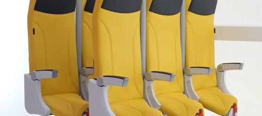 L'italianaAviointeriorsci riprova: ecco i nuovi sedili verticali per aerei affollati