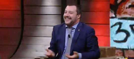 Salvini apre all'ipotesi di un premier 'terzo', è la svolta per il governo?