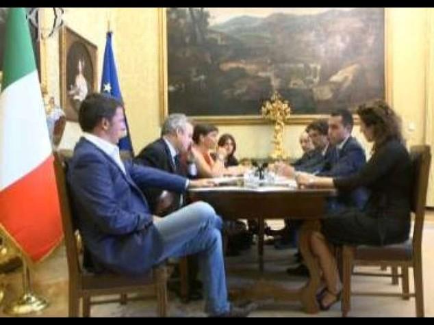 """Pd-M5S: segui diretta streaming Renzi, """"non siamo cosi' distanti"""""""