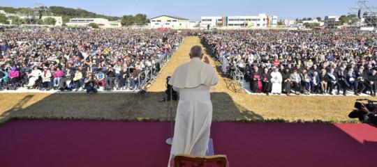 """Quella di Francesco nei luoghi di don Tonino Bello è una visita di """"restituzione"""""""
