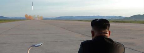 Kim assiste a un test missilistico