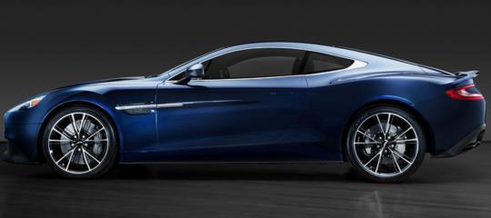 L'Aston Martin dello 007Daniel Craigè stata battutaall'asta perquasi mezzo milione di dollari