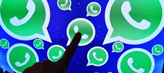 Che senso ha vietare Whatsappagli under 16?