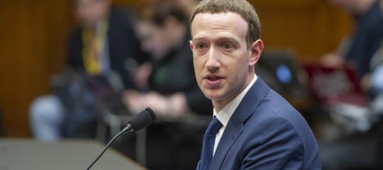 Londra ha messo Facebook nel mirino e aspettaZuckerbergal varco