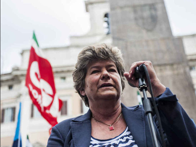 """Camusso avverte il premier  """"Con decreto sciopero generale"""""""