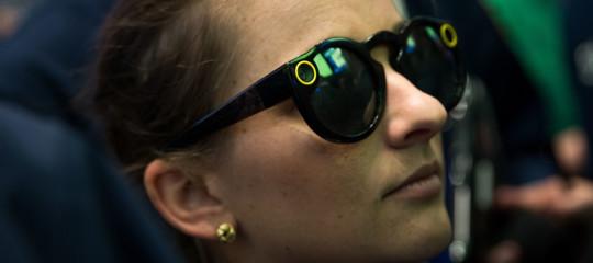 Snapchatci riprova con gliSpectacles, gli occhiali che fanno foto e video