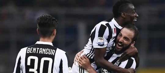 Calcio: Juve batte Inter 3-2 e conserva il primo posto