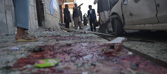 Afghanistan: almeno 21 morti in attentati, colpiti giornalisti