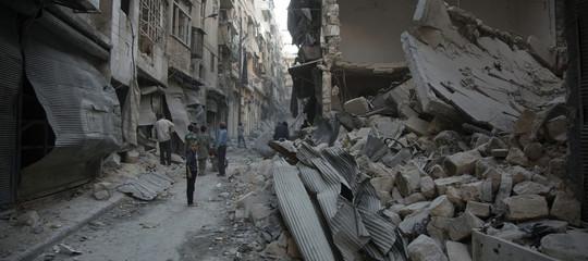 Siria: missili contro basi militari, almeno 40 morti;18 iraniani