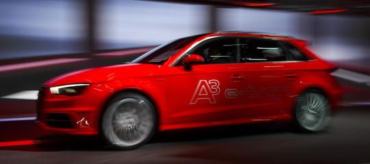Un hacker potrebbe prendere il controllo di una Golf e di un'Audi 'entrando' dal WiFi di bordo