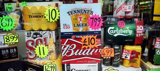 Per combattere l'alcolismo la Scozia ha fissato un prezzo minimo per le bevute