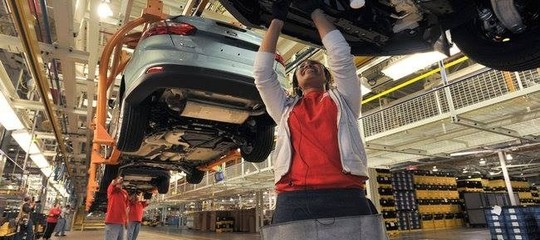 Auto: balzo del mercato dell'auto ad aprile, Fca in controtendenza