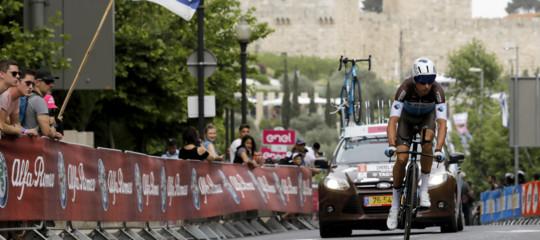 Giro 2018: partenza con la crono a Gerusalemme, Froome cade in ricognizione
