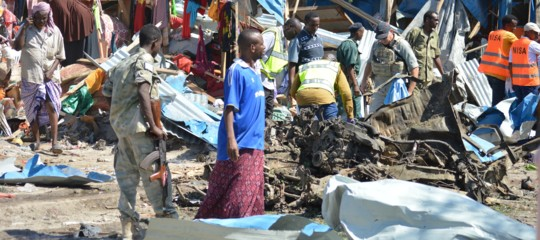 Somalia: kamikaze al mercato, almeno 15 morti