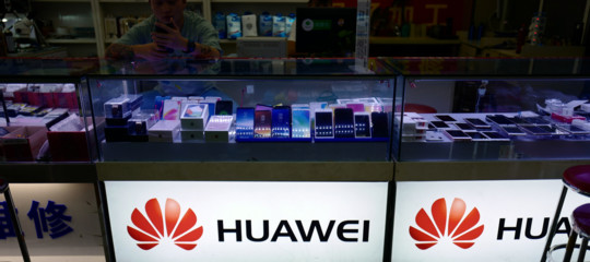 classifica smartphonepiu venduti huaweiapple samsung