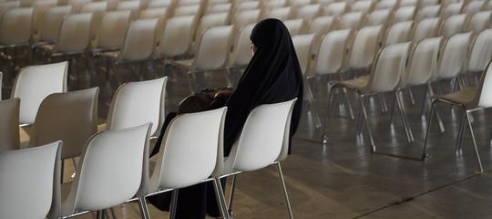 Un giudice di Berlino vieta a una musulmana di insegnare col velo