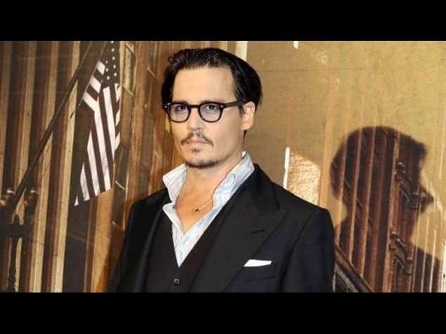 Johnny Depp spende 30. 000 euro per ritratto di Kate Middleton nuda