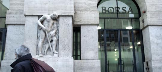 Borsa: Milano apre in rialzo (+0,38%), 'piatte' altre piazze europee