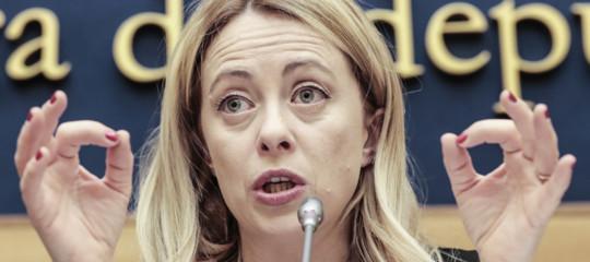 Di Maio chiede voti a Giorgia Meloni e lei gli tira un bello scherzo