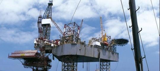 Petrolio: in calo in Asia sotto i 71 dollari al barile