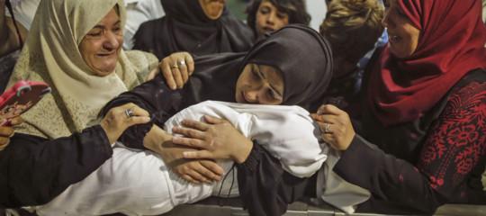 M.O.: 58 morti nelle proteste a Gaza, anche una bimba di 8 mesi per gas lacrimogeni