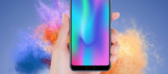 Honor 10 porta l'intelligenza artificiale in uno smartphone a meno di 400 euro