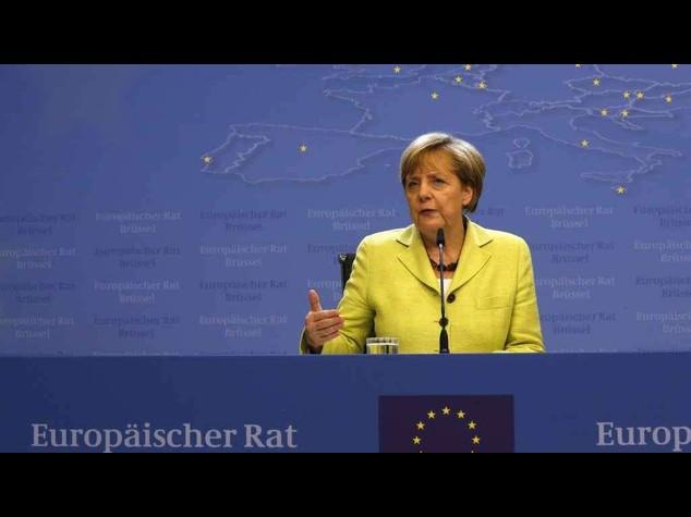 Merkel festeggia il 60esimo compleanno al Consiglio Europeo